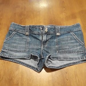 (Abercrombie and Fitch) shorts